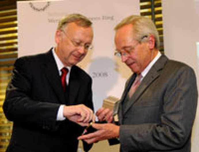 Bernard Meyer Awarded With The Siemens Ring Ship2shore
