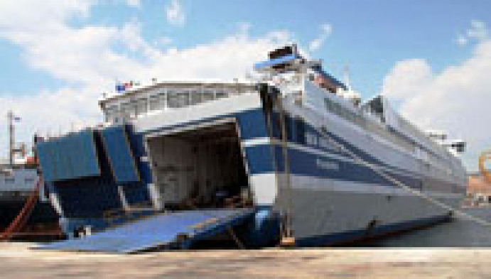 Torna in vita l ultima nave veloce di tirrenia ship2shore for Nave sardegna